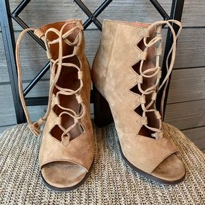 Frye Gabby Ghillie lace up heeled boots size 7